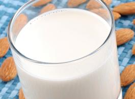 Almond and vanilla shake_1440x770.jpg