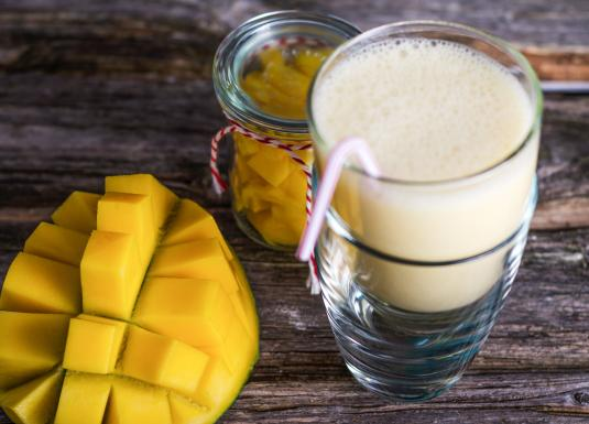 Coconut mango shake_1440x770.jpg